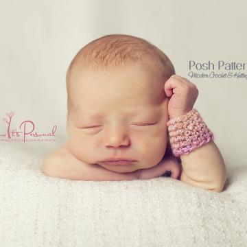 FREE CROCHET PATTERN - Elegant Crochet Wrist Warmers